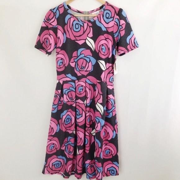 LuLaRoe Dresses & Skirts - NWT LulaRoe Amelia Rose Print Dress